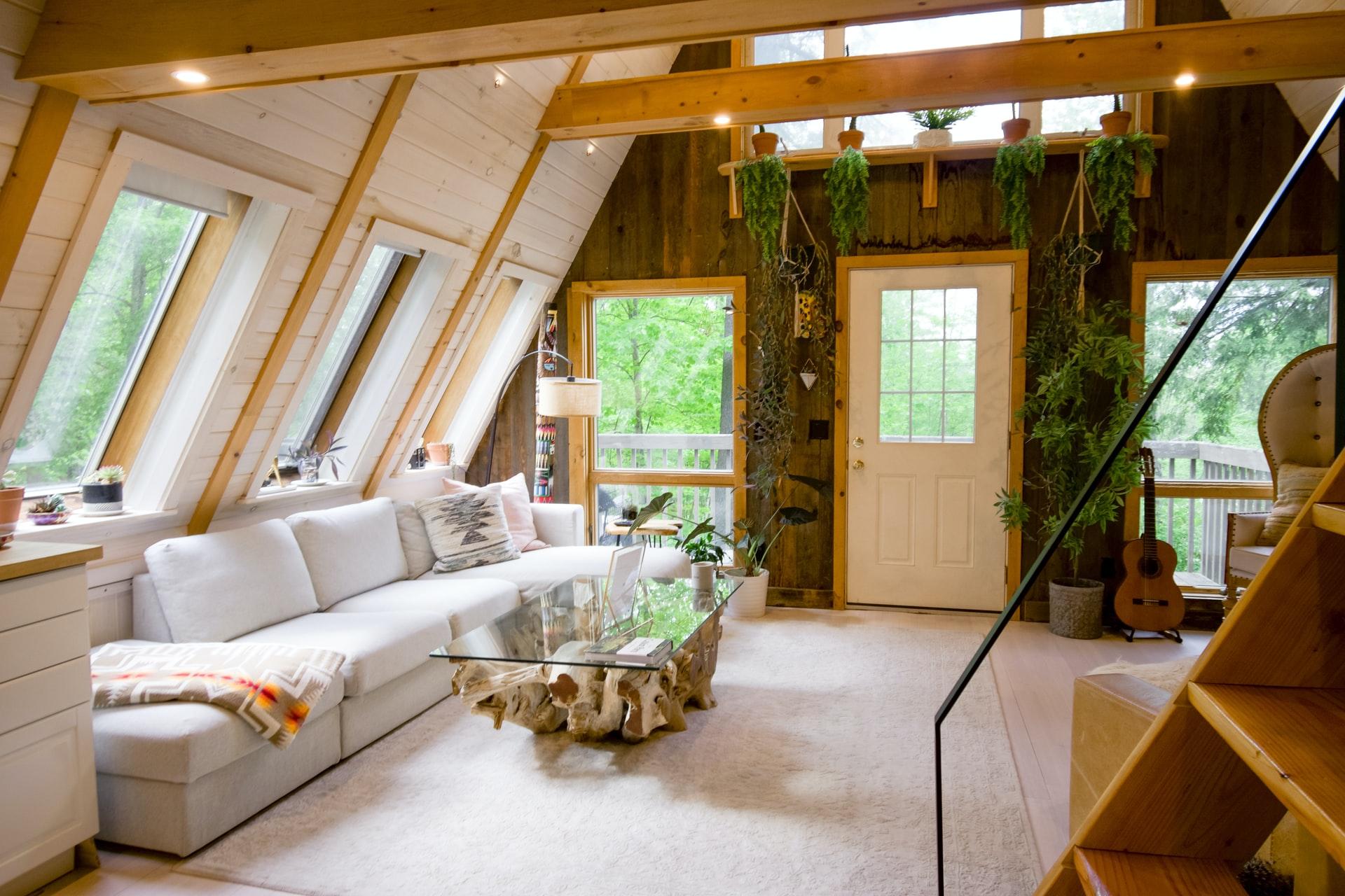 open woonkamer hout